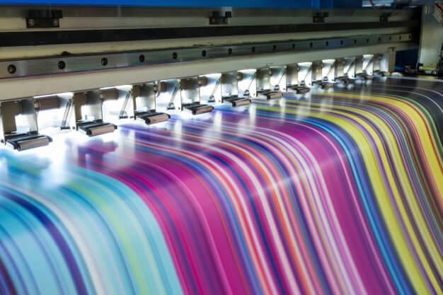 grande stampante a getto d inchiostro che lavora multicolor su banner in vinile 49071 999